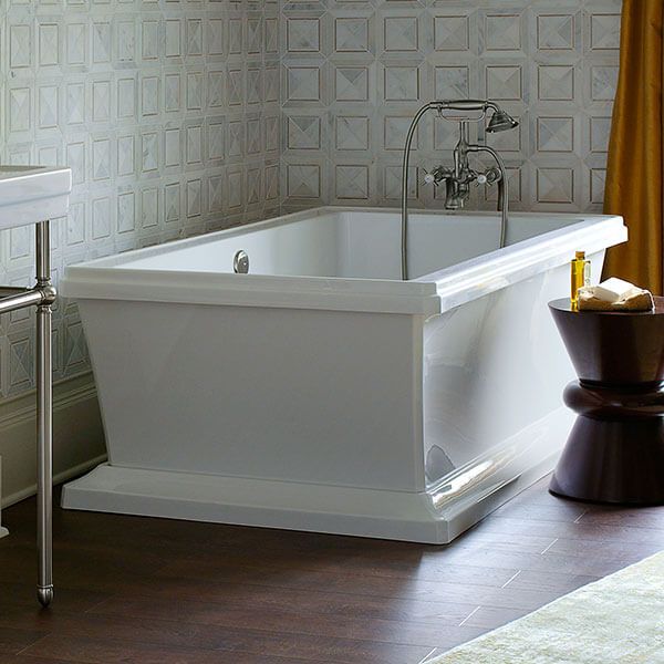 DXV Fitzgerald Freestanding Soaking Tub Room Scene- Canvas White