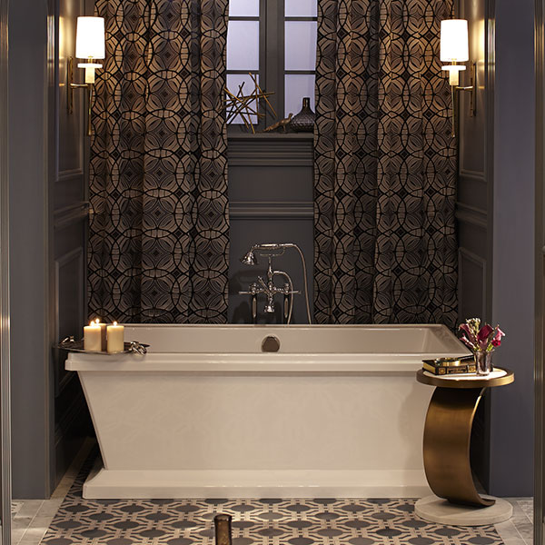 DXV Fitzgerald Freestanding Soaking Tub Room Scene by Meredith Heron- Canvas White