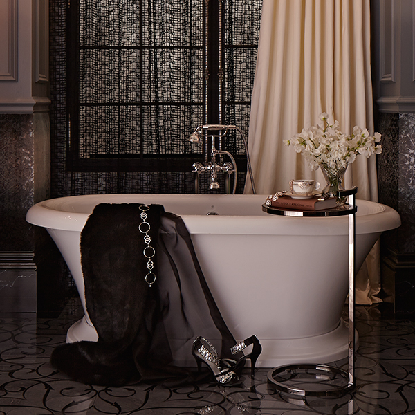 DXV St. George Freestanding Soaking Tub Room Scene by Regina Sturrock